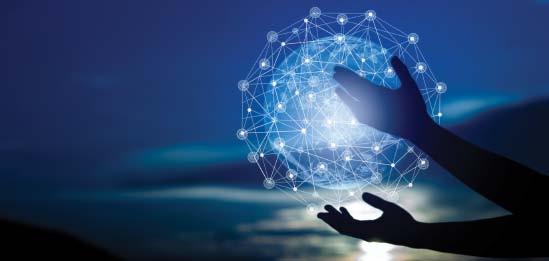 Arte digital com globo terrestre feito por meio de conexões em linhas azuis, levitando sobre a sombra de duas mãos, com ideia de conectividade e inovação