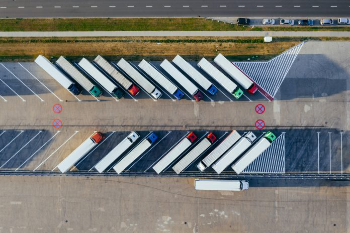 Rota Digital Fenatran destaca inovações para o transporte de materiais